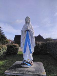Statue de la Vierge Marie, à Saint-Michel-et-Chanveaux (49420)